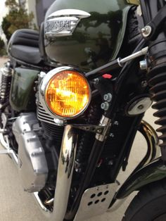 Fog Light and Polished Stainless Bracket Triumph Honda Royal Enfield Stainless Steel Brackets, Stainless Steel Hose, Cafe Racer Bikes, Cafe Racers, Led Motorcycle Headlight, Triumph Bonneville, Royal Enfield, I Cool, Great Videos