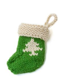 Stocking Ornament With Tree. Super cute #knit pattern!