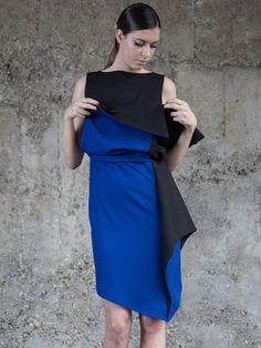 Shop Midi Dresses - Black Color-block Asymmetrical Statement Bateau/boat Neck Midi Dress online. Discover unique designers fashion at StyleWe.com.