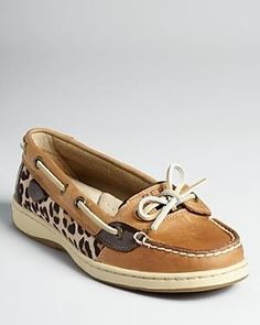 Sperry Shoes with cheetah print.. In live!❤