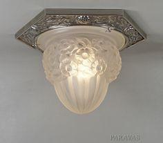 Degué : French art deco 1930 plafonnier. Flush mount ceiling fixture in excellent condition. (paravas - ebay)