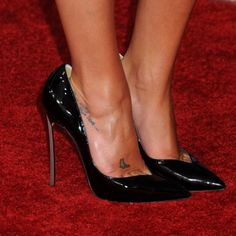 Lea Michele Heels | 2011 TV Season - Lea Michele