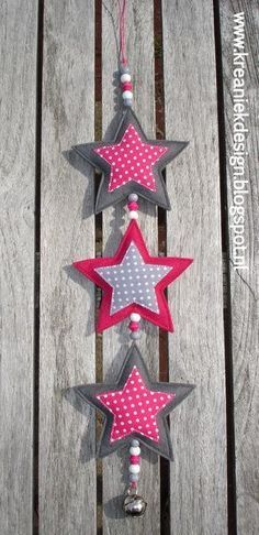 Garland of stars // idea - xmas Christmas Projects, Felt Crafts, Christmas Crafts, Christmas Ornaments, Handmade Christmas, Christmas Diy, Christmas Fabric, Hobbies And Crafts, Diy And Crafts