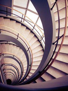 Staircase, modern & sleek  ♥ ♥ www.paintingyouwithwords.com. via Chris Wood