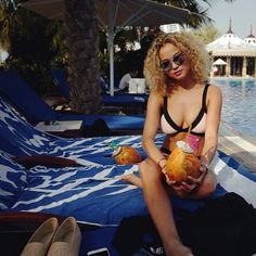 Whyyyy can't this be us?!  #vacationgoals : @rose_bertram