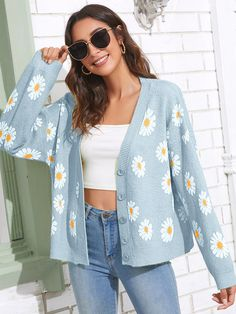 Button Front Daisy Floral Pattern Cardigan Pullover Mode, Cool Outfits, Casual Outfits, Cardigan Outfits, Sweater Cardigan, Overall Dress, Sweater Fashion, Dress P, Tejidos