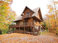 Rustic style on a beautiful lake, built with real Canadian logs with high standard material including a hot tub. Grand Chalet, Cottage, Cozy Cabin, Spa, Logs, Rustic Style, Avril 2017, House Styles, Cabins