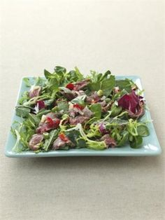 Cambodian Hot and Sour Beef Salad: In How to Eat, I used a shallot for this salad; here I've used a spring onion. Frankly any allium of your choice would be fine. Similarly, any salad leaf you like can be used as its foundation- Nigella Lok Lak, Asian Recipes, Healthy Recipes, Savoury Recipes, Healthy Options, Cambodian Food, Mint Salad, Beef Salad, Nigella Lawson