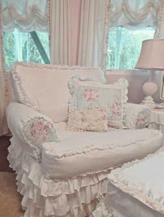 OOOH I would love to have this chair in my bedroom.  I imagine a 'minky' blanket, a cup of hot cider, a good book, & an overcast day and I'm in heaven.