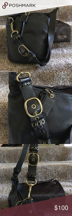 Authentic Coach Hobo Handbag This is a classic, beautiful large leather hobo. It shows typical wear. Coach Bags Shoulder Bags