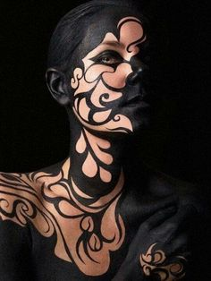 Dark swirls, amazing makeup