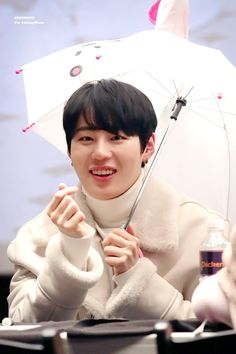 Wanna-One - Ha Sungwoon Ong Seung Woo, Little Giants, Thing 1, Produce 101 Season 2, Kim Jaehwan, Ha Sungwoon, Smiles And Laughs, Personal Photo, Kpop Boy