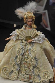 Marie Antoinette Barbie repaint