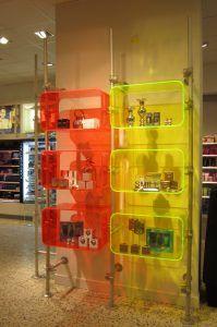 Ladeneinrichtung Kiosk Acrylglas Schaufensterdisplay