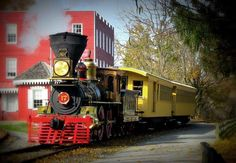 Climb aboard the old-fashioned steam train and embark on the one-hour Glen Rock Express or the 2.5 hour Hanover Junction Limited ride, the latter of which includes a half an hour stop in Hanover Junction.