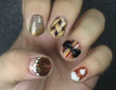 Happy Thanksgiving everyone! Today I have some more Thanksgiving nail art. If you didnt see my last Thanksgiving post you can check it out here . Colorful Nail Designs, Nail Art Designs, Nail Art For Girls, Nagel Bling, Nailart, Minion Nails, Golden Nails, Thanksgiving Nail Art, Tree Nails