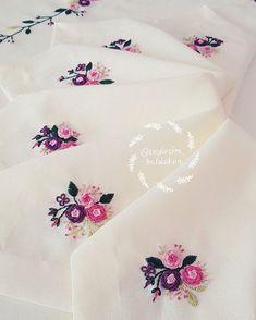 No photo description available. Bullion Embroidery, Hand Embroidery Flowers, Hand Work Embroidery, Hand Embroidery Patterns, Embroidery Applique, Floral Embroidery, Beaded Embroidery, Embroidery Stitches, Embroidery Sampler