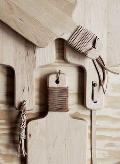DIY Kitchen Project Inspiration:  Leather-Embellished Wood Cutting Boards   Livet Hemma