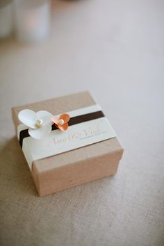 Lovely favor boxes | Wedding inspiration from AislePlanner.com