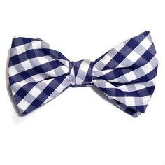 Pajarita de cuadros vichy en popelín inglés #pajaritas #bowties available in www.woodandrain.com We ship Worldwide