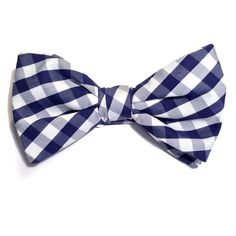 Pajarita de cuadros vichy en popelín inglés #pajaritas #bowties available in www.woodandrain.com We ship Worldwide