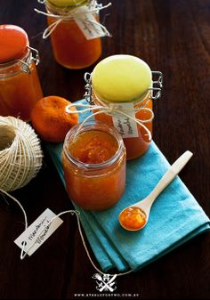 Mandarin Marmalade Recipe _ When Big D bought the house 3 years ago, there was already a mandarin tree in his backyard and we were so excited to see hundreds of mandarins hanging on the tree! Making Marmalade, Marmalade Jam, Marmalade Recipe, Delicious Vegan Recipes, Tasty, Jam And Jelly, Vegetable Drinks, Apple Butter, Healthy Eating Tips