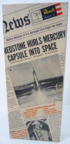 Revell REDSTONE BOOSTER ROCKET MERCURY CAPSULE Model Kit (1961)
