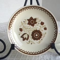 Vintage Ironstone Nutmeg Pattern Ceramic Dinner Plate by Royal China by vintagepoetic on Etsy