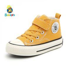 Moda Sneakers, Girls Sneakers, Boys Shoes, Sneakers Fashion, High Top Sneakers, Fashion Shoes, Shoes Sneakers, Canvas Sneakers, Fashion Jewellery