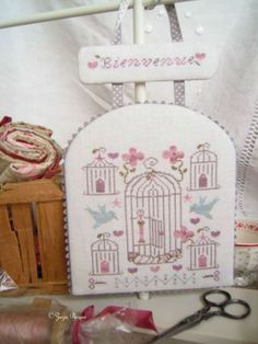 Cages oiseaux on pinterest birdcages bird cages and for Cage a oiseaux decorative
