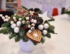 Принимаю заказы на изготовление новогодних композиций! Подробности по wats app +7926-556-26-37  #gurudecora #julydecor #newyeardecor #decor #decoration #floristic #гурудекора #юлиндекор #новогоднееоформление #новогодняяелка #елка #корпоративныеподарки #оформлениезагородногодома #рождество #елочнаягирлянда #newyearholidays #Christmas #Christmasdecor #рождественскийдекор