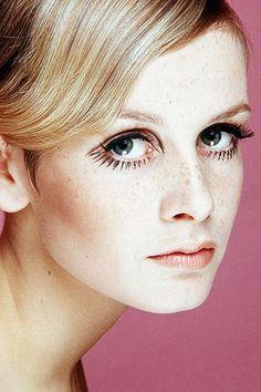 twiggy Twiggy Style, Style 60s, Twiggy Model, Style Icons, Carmen Dell'orefice, Jean Shrimpton, Makeup Trends, Beauty Trends, Estilo Twiggy