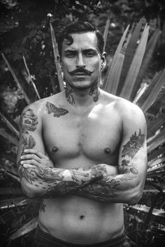 photo by Christopher Alvarez Beautiful Flower Tattoos, Still I Rise, Male Pattern Baldness, Famous Models, Male Man, Beard No Mustache, Gay Art, Beard Styles, Black Tattoos