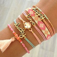 Mint15 armbanden set - happy, lucky, love - available via www.capricci.nl | #armbandenset #armbanden #set #beads #bracelets #armparty #armcandy #gold #mint #pink #tassel #mint15 #capricci #capricci.nl