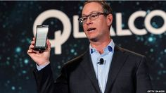 US chipmaker Qualcomm will pay $975m (£640m) to Chinese authorities to end a 14 month anti-trust investigation into its patent licensing practices.