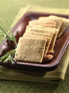 Rosemary Crackers recipe made of almond flour. They are delicious paired with olive tapenade or any soft spreadable cheese for a cocktail party. For a simple snack eat with cheddar or jack cheese. Gluten Free Baking, Gluten Free Recipes, Low Carb Recipes, Real Food Recipes, Snack Recipes, Cooking Recipes, Dinner Recipes, Healthy Recipes, Gastronomia