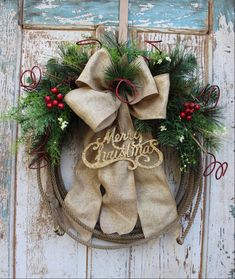Cowboy Christmas Western Lariat Rope Christmas Wreath with Gold Merry Christmas Ornament, Burlap and Greenery / Rustic Holiday Wreath