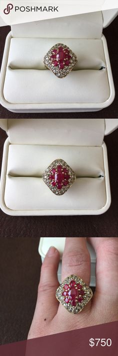 Real natural Ruby and diamonds cocktail ring This ring is stunning, an estate diamond shape, center rubies look like a flower, with real diamonds halo. Set in 10k solid yellow gold. Natural Ruby is precious just like the Emerald. These are statement rings, great purchase if you like fine jewelry, never Tarnish, wear it 24/7.  I need some one to continually taking care of these jewelry. Newly cleaned &  polished, look brand new out of the case, no scratch at all on band. Size 7, can be…