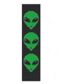 Green alien peyote pattern,done in different seed beads colors, the peyote cuff are (1.64in x 7in). It can be re-size if you request it.    The