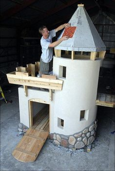 I don't know what this is for but it would make an insanely rad dog or cat house… – Sergej – Cat playground outdoor Castle Playhouse, Build A Playhouse, Playhouse Outdoor, Kids Cubby Houses, Dog Houses, Play Houses, Backyard Playground, Backyard For Kids, Cool Playgrounds