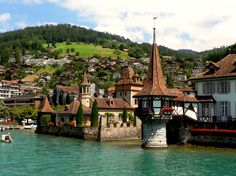 castillos para bodas. Oberhofen en suiza