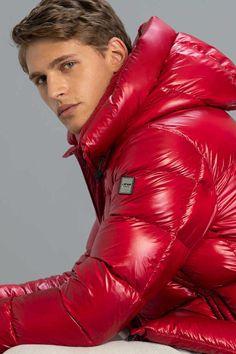 Cool Jackets, Winter Jackets, Modern Mens Fashion, Men's Fashion, Mens Down Jacket, Pvc Raincoat, Mens Trends, Modern Man, Hot Boys
