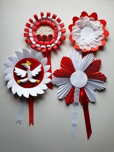 Painel de comentários Paper Rosettes, Paper Flowers, Diy And Crafts, Arts And Crafts, Paper Crafts, Diy For Kids, Crafts For Kids, Star Diy, Ideas Prácticas