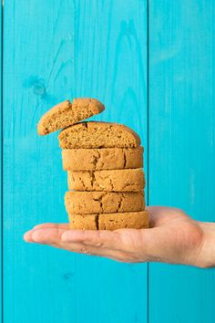 A traditional recipe for double baked olive oil cookies with almonds. These biscotti are tender, crunchy, delicious, and naturally vegan! Greek Recipes, Real Food Recipes, Cookie Recipes, Dessert Recipes, Cinnamon Cookies, Oatmeal Cookies, Greek Sweets, Greek Desserts, Vegan Desserts