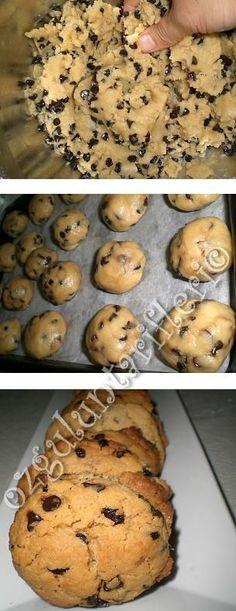 tahinli kuabiye yapim asamasi Construction Cookies, Turkish Delight, Turkish Recipes, Food Presentation, Scones, Cookie Recipes, Biscuits, Muffin, Food And Drink