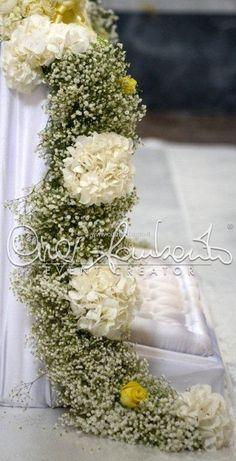 Church Wedding Decorations Aisle, Altar Decorations, Wedding Wreaths, Pew Flowers, Church Flowers, Bridal Flowers, Wedding Ideas 2018, Wedding Planer, Christmas Tree Design
