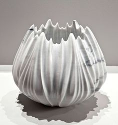 Zaha Hadid sculpts marble vases and tables for Citco. Black Vase, Green Vase, White Vases, Silver Vases, Zaha Hadid, Wooden Vase, Ceramic Vase, Big Vases, Large Vases