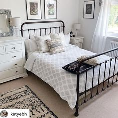 Oh, Oliver, we adore you we do! Sitting pretty in this bedroom is our best-selling matt black Oliver. The classic yet contemporary styling of our Oliver Beds makes it an enduring style that works against a range of bedroom backdrops. Bedroom Inspo, Bedroom Ideas, In A Little While, Metal Beds, How To Make Bed, Diy Room Decor, Home Decor, Timeless Design, Bunting