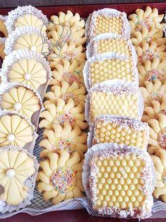 Sablé à la Poudre de Flan Eid Biscuit Recipes, Tea Recipes, Cookie Recipes, Tea Cookies, Galletas Cookies, Yummy Cookies, Arabic Dessert, Arabic Food, Mini Desserts
