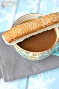 Gingerbread Biscotti: perfect, crunchy biscotti re… Cookie Desserts, Just Desserts, Cookie Recipes, Dessert Recipes, Holiday Baking, Christmas Baking, Gingerbread Biscotti Recipe, Gingerbread Recipes, Gingerbread Houses